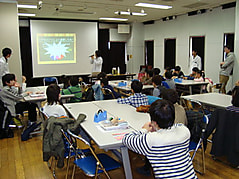 ユネスコ理数教室  「偏光板を使った光の実験ショーと工作」